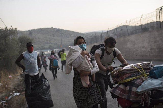 Grecia.- Declarado un nuevo incendio en el campamento de refugiados griego de Mo