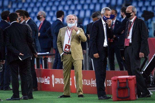 Fútbol.- El Nápoles confirma que su presidente, Aurelio di Laurentiis, ha dado p