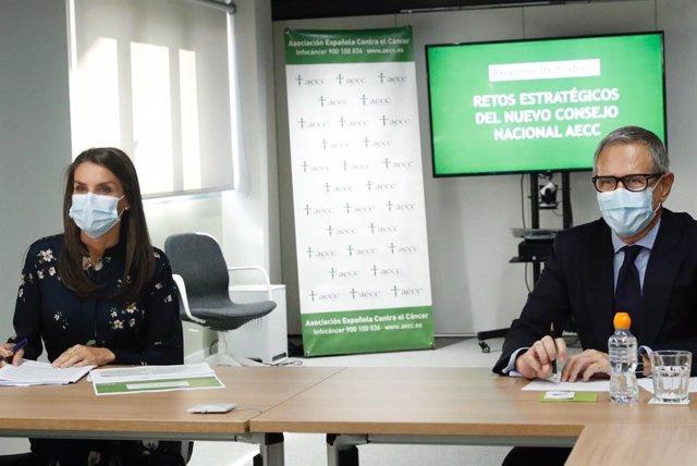 La AECC presenta a la Reina Letizia las nuevas ayudas de investigación contra el