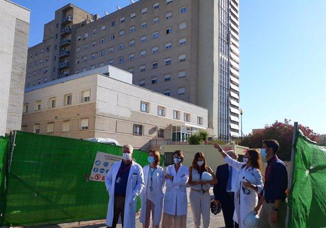 Exterior del hospital de día de Valme