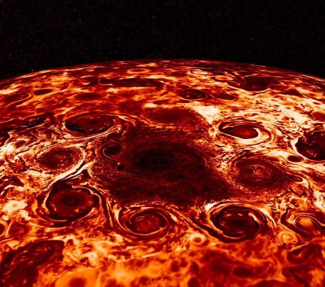 Explicación a los enjambres de ciclones en los polos de Júpiter