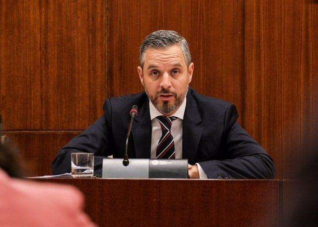 El consejero de Hacienda, Juan Bravo, en una imagen de archivo de una comparencia parlamentaria.