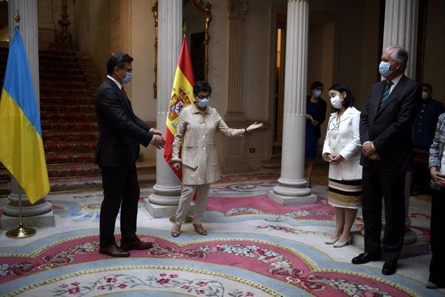 Exteriores no espera que Londres permita aún viajes a Baleares o Canarias