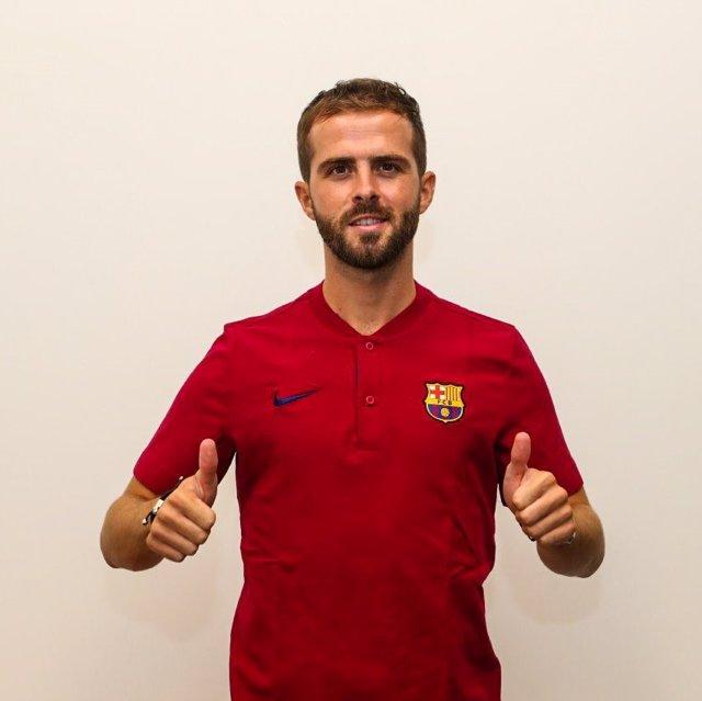 """Fútbol.- Pjanic: """"No puedo esperar a jugar en el Camp Nou"""""""