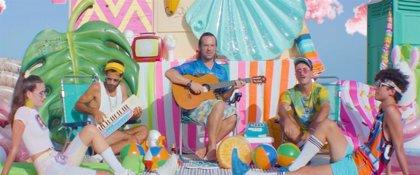 VÍDEO: Varry Brava se aferran al verano más 'Hortera'