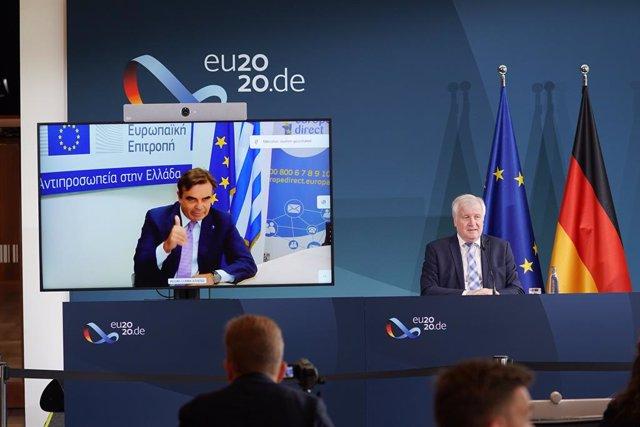 Grecia.- Diez países acogerán a 400 menores de Moria mientras Bruselas pide a At