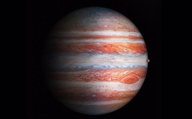 Júpiter probablemente alberga 600 pequeñas lunas