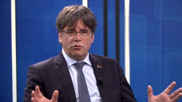 AMPL.- El TC confirma la orden nacional de detención dictada contra Puigdemont t