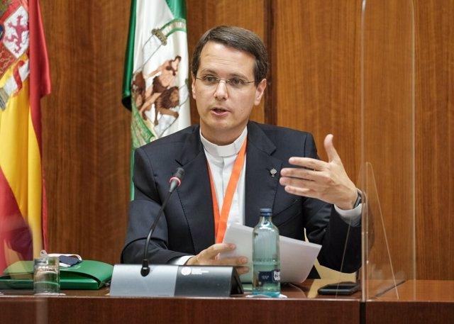 El presidente de Escuelas Católicas de Andalucía (ECA), Miguel Canino, en una imagen de junio de su participación en la Comisión de Recuperación del Covid del Parlamento de Andalucía.