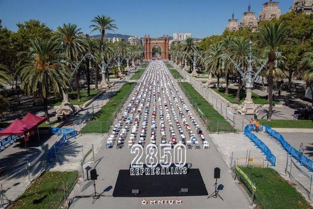 Acto de Òmnium para la Diada con 2.850 sillas en representación de los investigados por el proceso independentista desde otoño de 2017