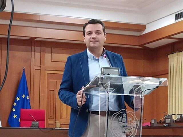 El vicepresidente de Hacienda en la FEMP y alcalde de Córdoba, José María Bellido (PP).