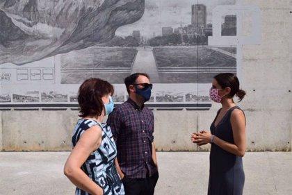 Latinoamérica.- Un mural del artista Daniel Muñoz en el MEIAC de Badajoz invita a recorrer distintos enclaves de Extremadura