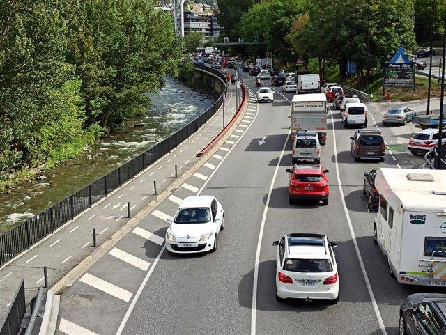 Retenciones de tráfico en Andorra la Vella (Andorra) en la CG1 el 11/9/2020