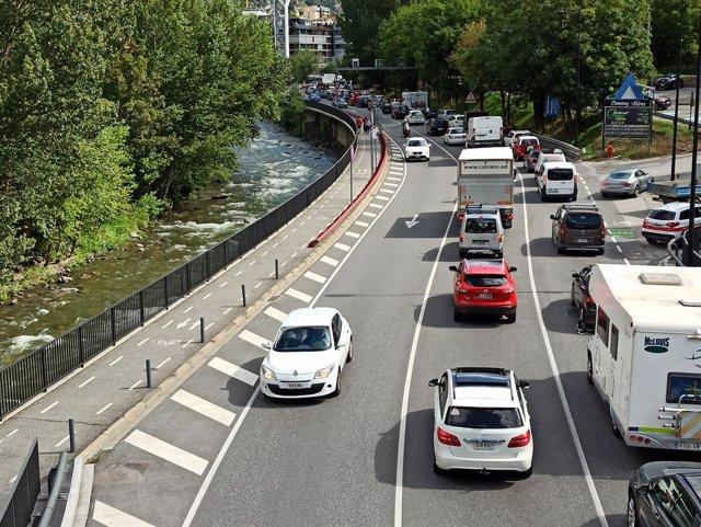 Retencions de trànsit a Andorra la Vella (Andorra) en la CG1 l'11/9/2020