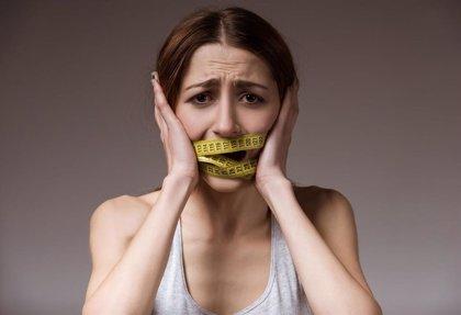 Experta avisa de que los pacientes con un trastorno de la conducta alimentaria grave tienen un alto riesgo de suicidio