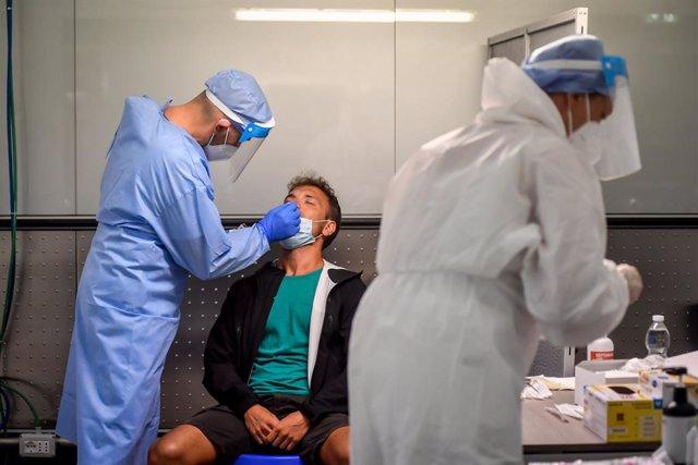 Coronavirus.- Italia mantiene el ritmo ascendente de contagios y pacientes en UC