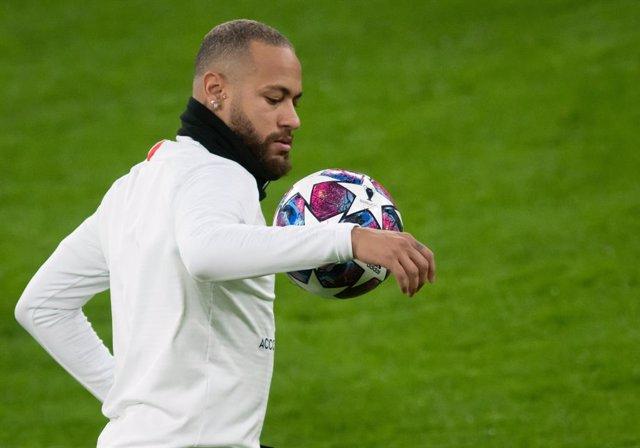 Fútbol.- Neymar vuelve a los entrenamientos tras superar el coronavirus