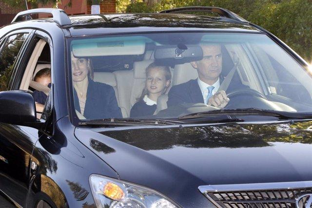 La Princesa Leonor y la Infanta Sofía han comenzado este viernes 11 de septiembre el nuevo curso escolar en el colegio Santa María de los Rosales