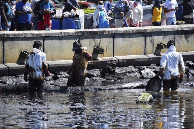 Mauricio.- La armadora del petrolero que causó un vertido en Mauricio pagará cer