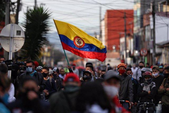 Protestas contra la brutalidad policial en Bogotá, Colombia.