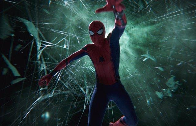 Tom Holland en Spider-Man: Lejos de Casa