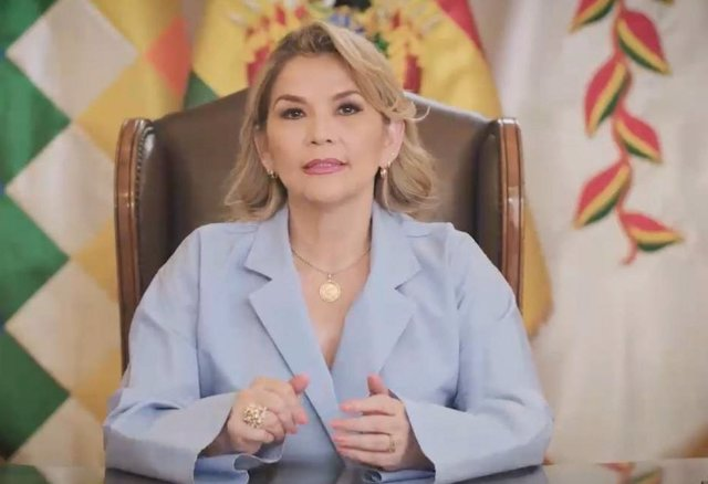 Bolivia.- Críticas a Áñez por dar un discurso institucional de claro tinte elect