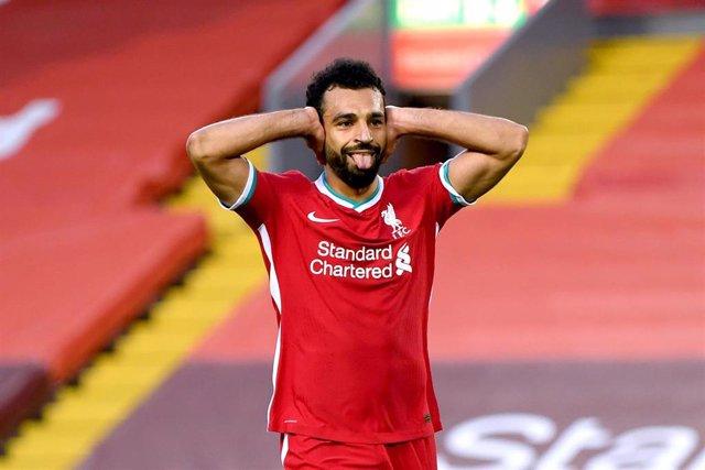 Mohamed Salah celebra un gol con el Liverpool sin público en las gradas de Anfield