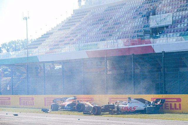 AV.- Fórmula 1/GP Toscana.- Hamilton no falla y Sainz abandona en una accidentad