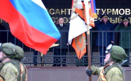 Rusia anuncia el envío inminente de 300 militares para unas maniobras militares a Bielorrusia