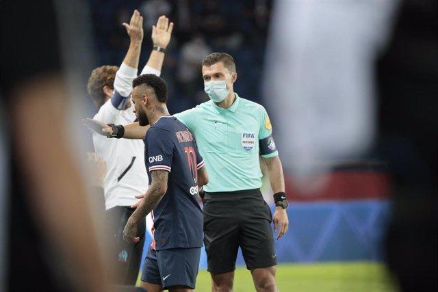 Fútbol.- Neymar acusa de racismo al defensa español Álvaro González tras ser exp