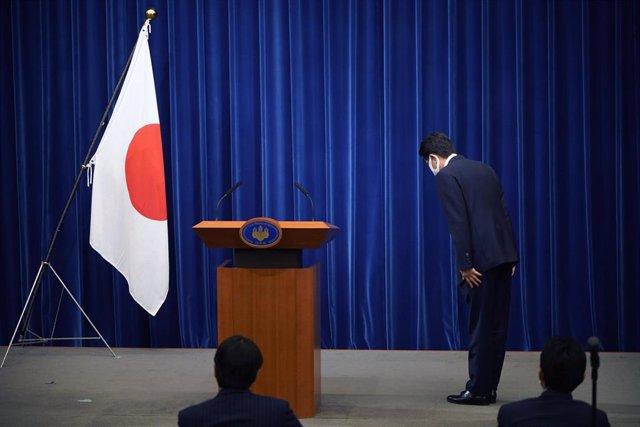 El primer ministro de Japón, Shinzo Abe, durante la rueda de prensa en la que anunció su dimisión por problemas de salud.