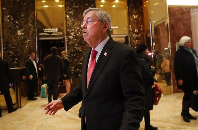 EEUU/China.- El embajador de Estados Unidos en China deja el puesto en plena esc