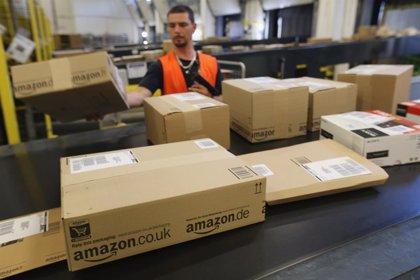 Estados Unidos.- Amazon contratará a otros 100.000 trabajadores y se sitúa cerca del millón de empleados en todo el mundo