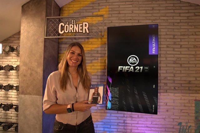 Fútbol.- Nira Juanco, primera voz femenina de la historia como comentarista del