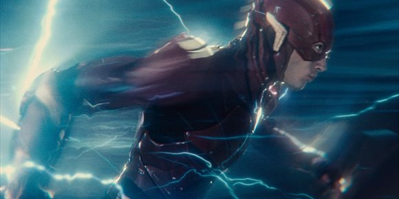 1. The Flash promete reiniciar todo el Universo DC sin olvidar ningún personaje