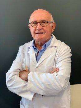 El especialista en endocrinología y nutrición de Quirónsalud Huelva, Antonio Barrios Merino.