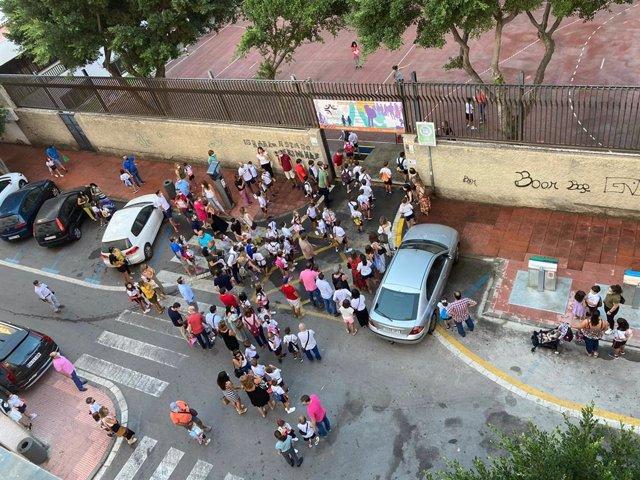 Entrada en un colegio de Almería