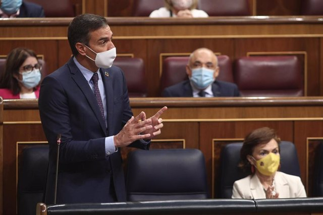 El presidente del Gobierno, Pedro Sánchez, interviene durante la primera sesión de control al Gobierno en el Congreso tras las vacaciones de verano, en Madrid (España).
