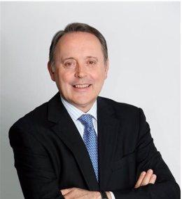 Castells aboga por una profunda reflexión sobre los riesgos cibernéticos