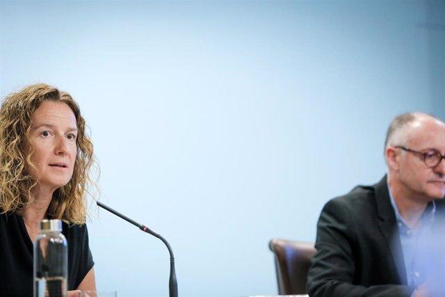 La Ministra Andorrana De Medio Ambiente, Agricultura Y Sostenibilidad, Sílvia Calvó, Junto Al Director De Agricultura, Josep Casals.