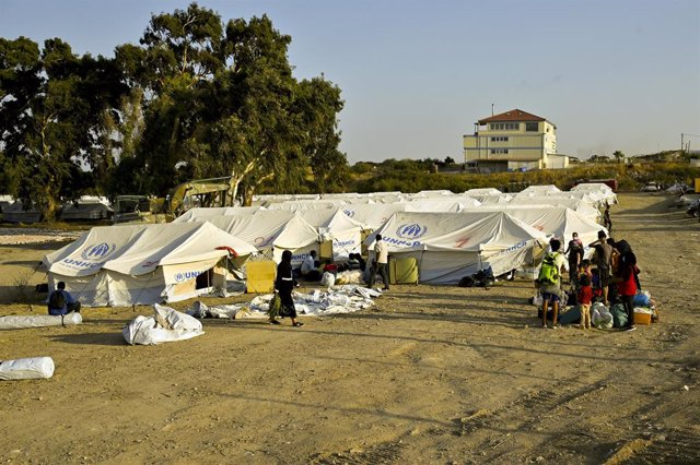 """AMP.- Grecia.- Grecia acusa a los migrantes de incendiar Moria para """"chantajear"""""""