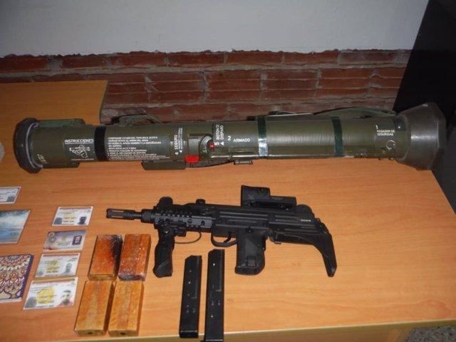 Armamento capturado a un supuesto espía estadounidense en Venezuela