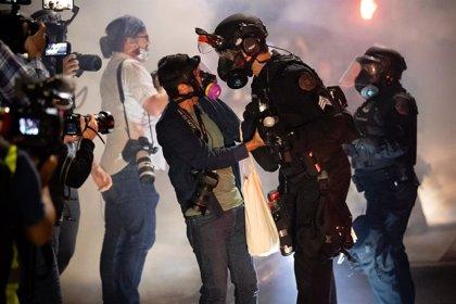 "Prensa.- UNESCO alerta sobre un ""fuerte aumento"" a nivel mundial de los ataques a periodistas que cubren manifestaciones"