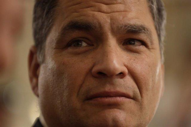 Ecuador.- La exministra de Economía de Correa le sustituirá como candidata a la