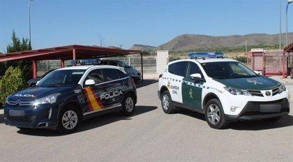 Los hijos de policías y guardias civiles solo pagarán 3 euros por el menú escolar en los colegios públicos madrileños