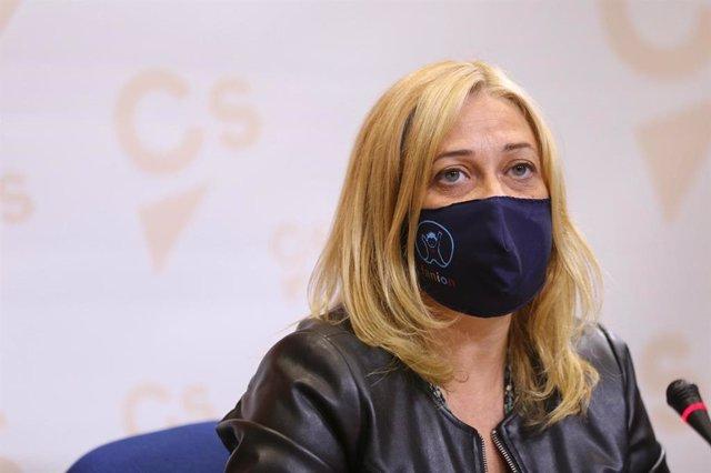 La portavoz de Ciudadanos en las Cortes, Carmen Picazo, en rueda de prensa.