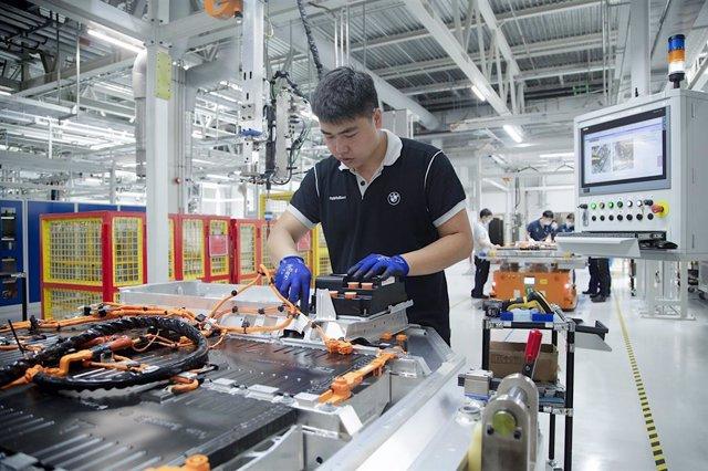 China.- Las ventas minoristas y la producción industrial de China mantienen su r
