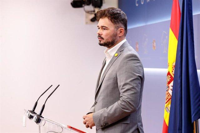 El portavoz de ERC en el Congreso de los Diputados, Gabriel Rufián, durante su intervención en una rueda de prensa convocada antes de la reunión de la Junta de Portavoces, en Madrid (España), a 15 de septiembre de 2020.