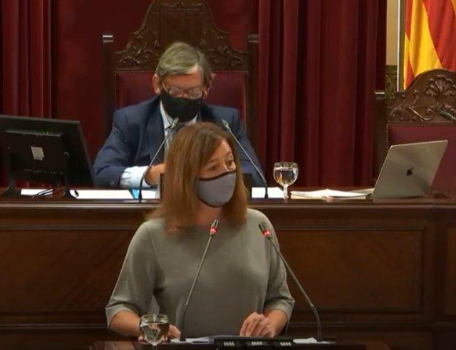 La presidenta del Govern, Francina Armengol, durante su comparecencia en el Parlament.
