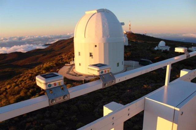 Fotómetros en el Observatorio del Teide para medir la contaminación lumínica en la Macaronesia